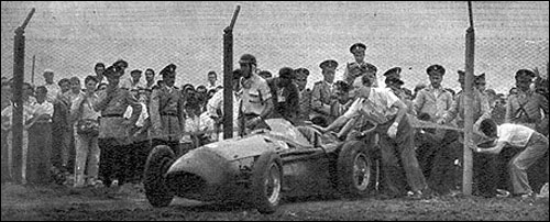 Ошибка на Гран При Аргентины 1956 года стоила Карлосу почти верной победы